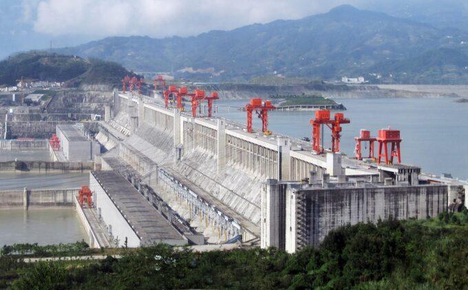 中国・三峡ダム決壊寸前?